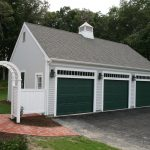 Detached garage with 3 bays