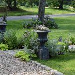 Gravel driveway and walkway